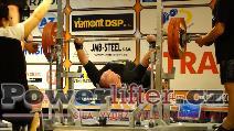 Sven Schäfer, GER, benč 230kg s lehkostí, muži M1 do 110kg