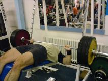 Benč hlavou dolů 147,5kg - část 2