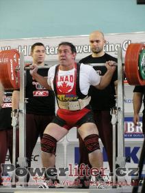 Joe Olivera, CAN, 297,5kg