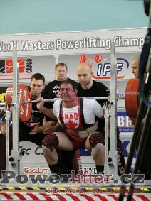Joe Olivera, CAN, 297,5kg