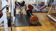 Mrtvý tah 200kg s nataženýma nohama (SLDL)